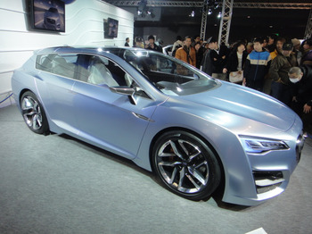 Subaru_advanced_tourer_concept_1