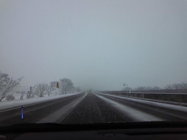 今日は九州でも雪です