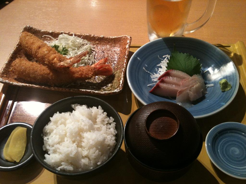 中部国際空港、まるは食堂のまるは定食1480円