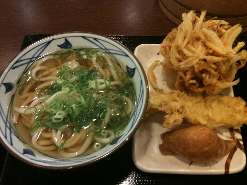 晩飯は丸亀製麺です