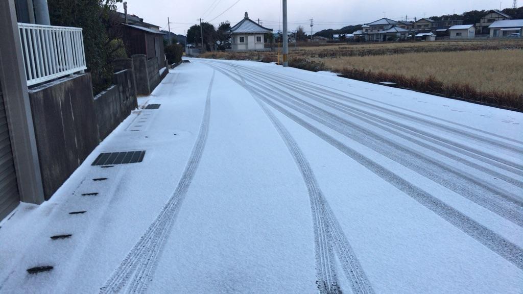 今朝の我が家の積雪状況